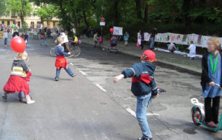 Kita-Fest: Kinder spielen